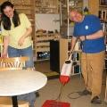 Lesung am 8. Mai 2009 in Lhotzkys Literaturbuffet - Kurt Lhotzky führt exklusiv die Vorzüge von Floorwash vor