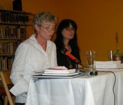 Barbara Finke-Heinrich liest aus ihren Texten.