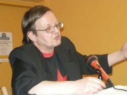 Gerald Grassl spricht kurz über die Geschichte der Literatur der Arbeitswelt.