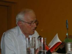 Markus Dosch liest aus seinem Text.