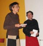 Gabriele Stöger von Webbrain und Brigitte Kaiser von der Bücherei Sandleiten