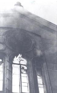 Brennende Synagoge, Wien 2, Große Schiffgasse 8. Quelle DÖW