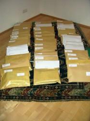 Viele Pakete warten auf den Versand